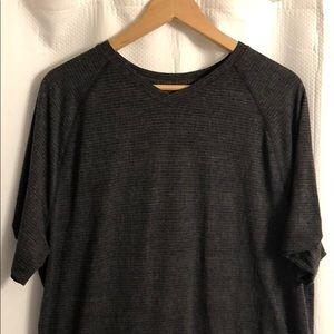 Performance lulu shirt